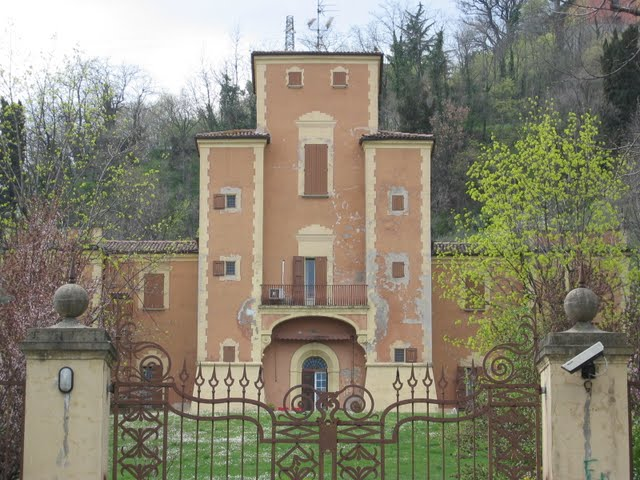 Misteriosa è la notte a Villa Achillini