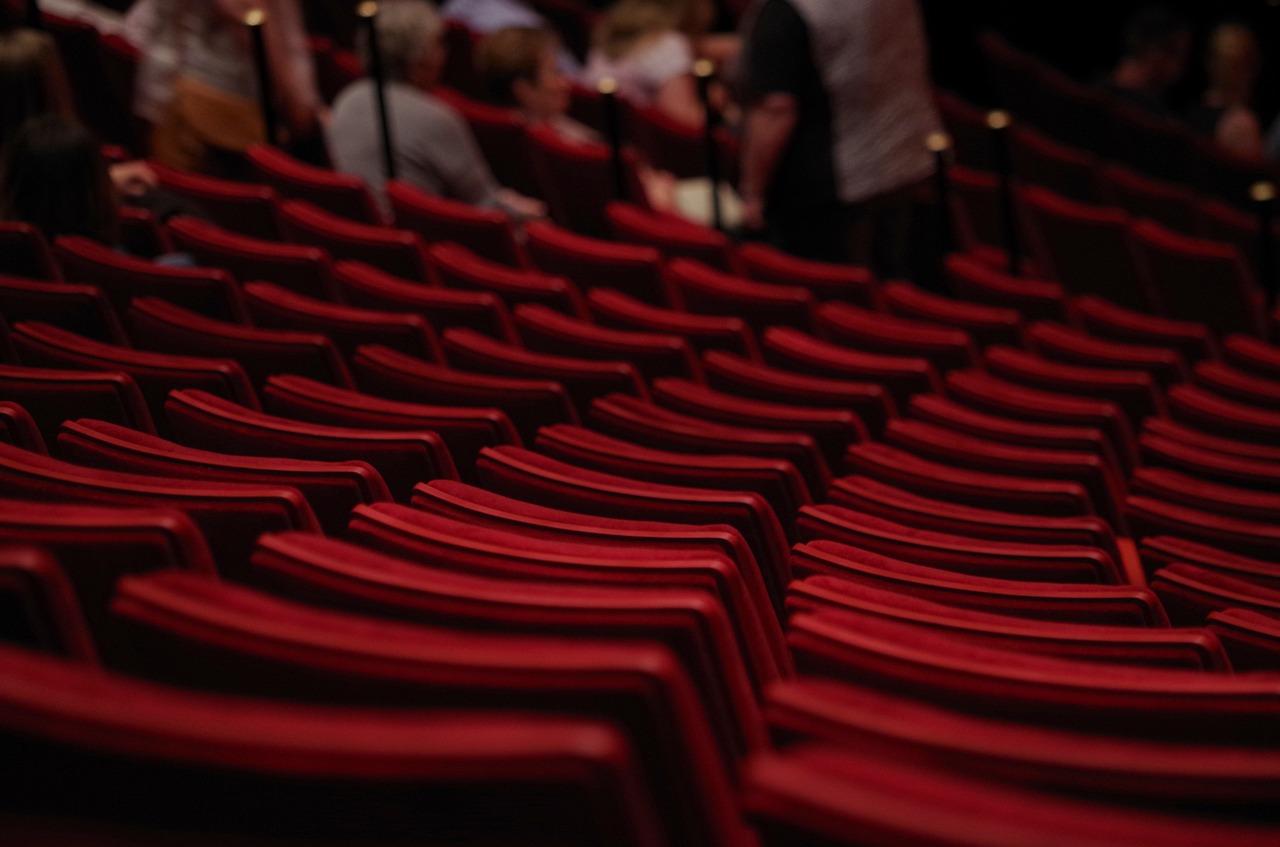 Il teatro che respira con la città